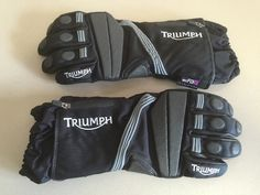 Triumph's Tri Climate motorcycle gloves are perfect for all weather: They are warm, don't make you sweat, stay dry and don't feel like boxing gloves. Motorcycle Gloves, Boxing Gloves, Weather, Warm, Weather Crafts
