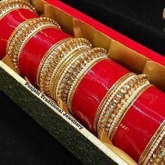 Indian Bridal Lehenga, Indian Bridal Outfits, Indian Bridal Fashion, Indian Wedding Jewelry, Wedding Jewelry Sets, Bridal Jewelry, Silk Bangles, Bridal Bangles, Wedding Chura
