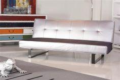 Das Schlafsofa Loft Guilia aus der Loft Kollektion von Kasper-Wohndesign überzeugt durch Optik und Funktionalität. Das schrille silberne Sofa lässt sich im handumdrehen zu einem Bett umwandeln!