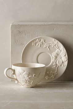 I love the floral. It looks so elegant and I love that it is dishwasher and…