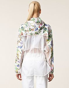 Jackets and coats - adidas by stella mccartney / image jkt print Sport Style, Sport Chic, Sport Fashion, Fitness Fashion, Womens Fashion, Stella Mccartney Adidas, Xl Shirt, Sport Inspiration, Athletic Outfits