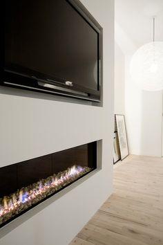 Copenhagen Penthouse Interior by Norm Architects Fireplace Tv Wall, Linear Fireplace, Fireplace Design, Fireplace Ideas, Ethanol Fireplace, Shiplap Fireplace, Farmhouse Fireplace, Fireplace Remodel, Tv Wall Design