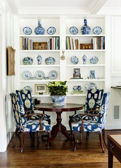 Blue & White vignette.