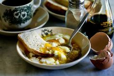 How to make the perfect Singapore coffeeshop-style soft-boiled eggs with runny yolks and whites.  Coffee Shop Soft Boiled Eggs In. Half Boiled Egg, Soft Boiled Eggs, How To Cook Eggs, Learn To Cook, Egg Recipes, Breakfast Recipes, Food Photography, Good Food, Food Porn