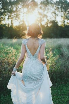 Oh My Goodness. This Jenny Packham dress is to die for. Photography: Natalie McComas