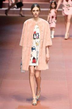 Sfilate di Moda - Donna Autunno Inverno 2015-16 - IoDonna Moda Passerella bad17c93038