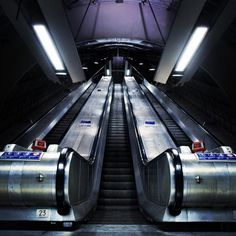 New York-based photographer Aaron Pegg specialises in photos of empty stations and platforms