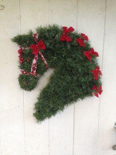 Horse Head Wreaths by Linda Dalziel. email: HorseHeadWreaths@aol.com