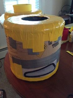 LEGO Man Costume: This is my first instructable so I apologize if its long winded but I'll do my best to explain :) Lego Halloween Costumes, Lego Man Costumes, Lego Costume, Diy Costumes, Costume Ideas, Trunk Or Treat, Legoland, Projects To Try, How To Make