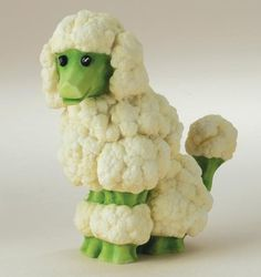 Food Art Cauliflower poodle Brenda Franklin Franklin Franklin Torres You should make these for a veggie tray at the holidaysCauliflower poodle Brenda Franklin Franklin Fr. Food Design, Cute Food, Good Food, Funny Food, Awesome Food, Veggie Art, Veggie Food, Food Sculpture, Cauliflower Dishes