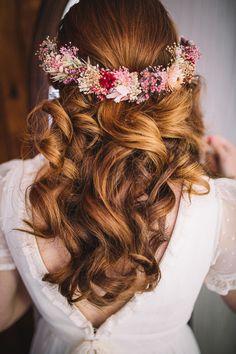 Veil Hairstyles, Wedding Hairstyles, Flower Crown Wedding, Wedding Hair Pieces, Crazy Hair, Bridal Hair Accessories, Wedding Beauty, Wedding Looks, Bridal Headpieces