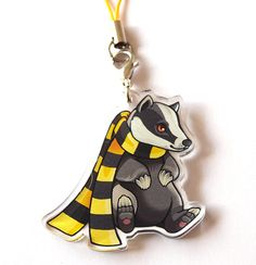 Show some house pride with these super adorable mascot charms! Choose from the Gryffindor lion, the Slytherin snake, the Ravenclaw eagle or the Harry Potter Props, Harry Potter Merchandise, Harry Potter Drawings, Harry Potter Memes, Slytherin Snake, Slytherin And Hufflepuff, Harry Potter Accesorios, Welcome To Hogwarts, Rowling Harry Potter