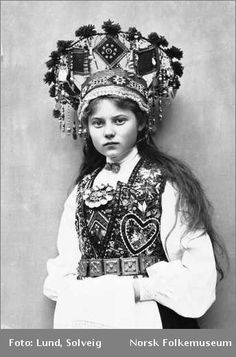 Norwegian Bridal headpiece Rural and Coastal Life in the Southern Region of Norway at the End of the 19th Ct - Skadi Forum