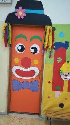 Kids Crafts, Clown Crafts, Circus Crafts, Carnival Crafts, Carnival Decorations, Diy Classroom Decorations, Carnival Themes, School Decorations, Diy And Crafts