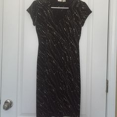 Women's Merona Dress Size S 🌹 Women's Merona Dress Size S, Excel. Cond. Material: polyester. Size S. Great for summer.👗🕶👜👚👠👙Please SHARE. SHARE, SHARE, the favor will be returned. Visit my closet for other great buys...😀 Merona Dresses Mini