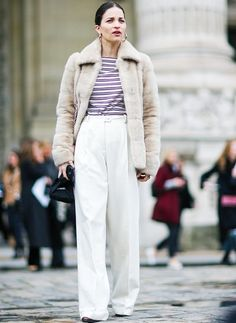 What to Wear In Spring: Neutral-coloured trousers