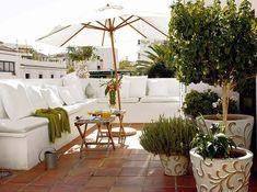 sombrilla terraza blanca