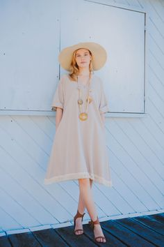 Podcast with Baz Inc. fashion designer, Carolyn Whitford. Learn how to build a capsule wardrobe, & how to be super stylish, and comfortable, when you're a busy woman on the go. http://thestylepodcast.com/carolyn-whitford/