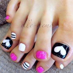Top 15 Beauty Nail Art For Valentine – New Easy Home Manicure Trend Designs Pretty Toe Nails, Cute Toe Nails, Get Nails, Toe Nail Art, Fancy Nails, Love Nails, How To Do Nails, Pretty Toes, Pedicure Designs