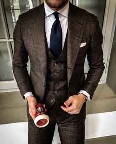 Shirt tucked in, teen boy fashion, african men fashion, suit and tie, weddi Gentleman Mode, Gentleman Style, Dapper Gentleman, Best Suits For Men, Cool Suits, Men's Suits, Wedding Men, Wedding Suits, Moda Formal