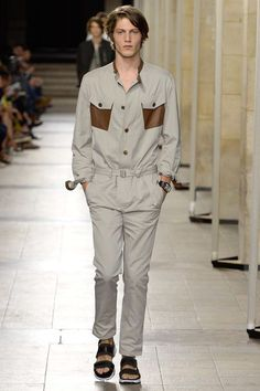 See the complete Hermès Spring 2017 Menswear collection.