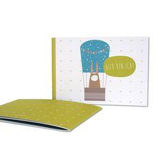 Babybuch - Hier bin ich: Das Büchlein bietet Platz für die Dinge, Fotos und Erinnerungen, die wirklich wichtig sind, ist aber mit 24 Seiten ist nicht zu überladen und lässt auch Raum für eigene Ideen.