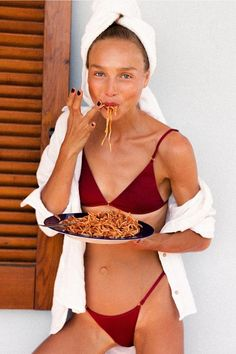 It's the simple things 🍝 Smile all summer long in the best bikinis you'll ever own - made from the highest quality Italian Lycra these babies feel as luxurious as they look. UMA Top & JANE Bottoms minimalistic combo in 'Shanghai' Summer Beach, Summer Time, Beach Vibes, Provocateur, Insta Photo Ideas, Summer Aesthetic, Belle Photo, Bikini Tops, Bikini Swimwear
