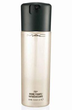 MAC Fix Plus - me encanta para rociar las brochas antes de aplicar la base, las sombras... Para fijar, mejor el spray de Urban Decay... Sin duda!