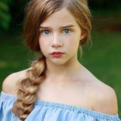 The gorgeous blue-eyed model Miss Skyla @skyla_jay_jay_28 photographed by Michael Murchie  @michaelmurchiephotographer  Little Goddess 🌿 • • #kids #portraits #photography #stunning #childmodel #amazing #blueeyes #likeforlike #beauty  #greatphotographer #perfection #portraitmood #majestic #face #like4like #earthportraits #bravogreatphoto #childportraits #bestfaces #topmodel #kidsportraits #sublime