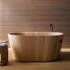 Larch Wood Bathtub