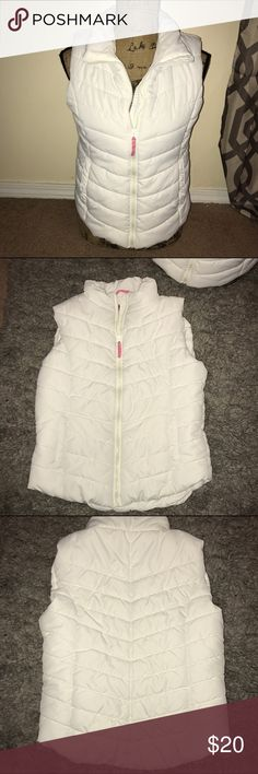 White Puffer Vest. Never Worn. Just washed. Aeropostale Jackets & Coats Vests
