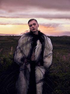 Фредерика Софи и Рут Белл на обложке Vogue (Интернет-журнал ETODAY)