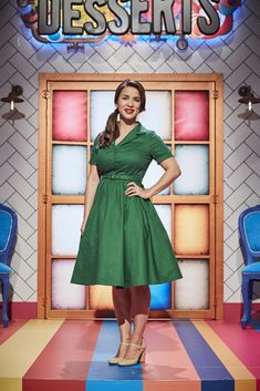 Television chef and co-host of Zumbo's Just Desserts, Rachel Khoo, shares her wardrobe details from the first six episodes of Zumbo's. Rachel Khoo, Green Shirt Dress, Vintage Housewife, Vintage Inspired Outfits, Plus Size Tops, Colorful Fashion, Playing Dress Up, Fashion Dresses, Cute Outfits