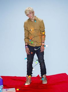 That would b the the best christmas tree ever!!!!!!!!!!!!
