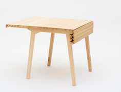 Table extensible Wooden Cloth par Nathalie Dackelid