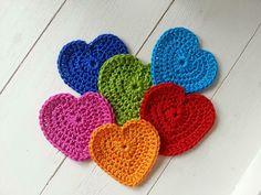 Chrochet, Knit Crochet, Crochet Wreath, Knitted Heart, Crochet Decoration, Jute, Crochet Projects, Christmas Holidays, Diy And Crafts