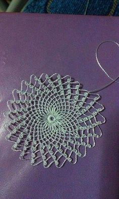 This Pin was discovered by Lal Point Lace, Needle Lace, Lace Making, Eminem, Embroidery Stitches, Needlepoint, Knots, Needlework, Dandelion