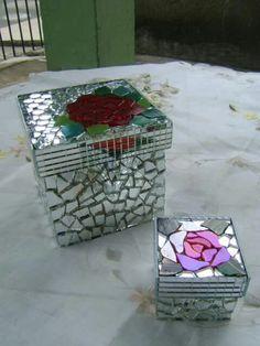 ❤ Tile Art, Mosaic Art, Mosaics, Mosaic Ideas, Mosaic Designs, Cds, Mosaic Crafts, Mirror Art, Box Art