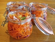 Syrade grönsaker kostekonom.se Healthy Recepies, Raw Food Recipes, Vegetarian Recipes, Vegetable Dishes, Vegetable Recipes, Chutney, Kimchi, Fermented Foods, Food Inspiration