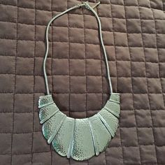 Silver statement Necklace Never worn!!! Brand new necklace. Perfect for a night out ! Forever 21 Jewelry Necklaces