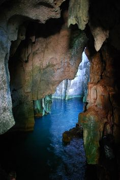Saw-i-Lau caves, Fiji