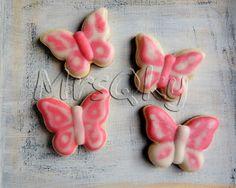 Galletas de dulces mariposas en rosa