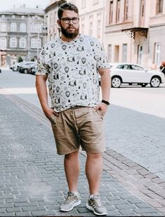 45 Tested Fashion Outfits for Heavy Men - Machovibes Outfits For Big Men, Men Fashion, Fashion Outfits, Fat Belly, Handsome, Men Casual, Plus Size, Concept, Bear