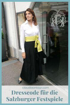 Gibt es einen Dresscode für die Salzburger Festspiele? Nicht unbedingt, jedoch Empfehlungen. #fashion #50plus #elegantemode #festspiele
