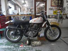 Yamaha SR400 by Brat Style