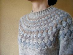 Unbelievable, graduated sized entrelac, in the round, beautiful color selection.  The stuff of knitting dreams!  ..Poème (詩曲) by Toshiyuki Shimada (嶋田俊之), as knit by ishi...