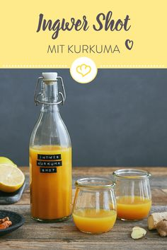 Ingwer und Kurkuma verpassen deinem Immunsystem in Kombination mit Apfel, Zitron… Ginger and turmeric give your immune system a good kick in combination with apple, lemon juice and black pepper. Healthy Eating Tips, Healthy Nutrition, Nutrition Data, Turmeric Lemonade, Turmeric Smoothie, Ginger Lemonade, Turmeric Shots, Turmeric Recipes, Detox Juice Recipes
