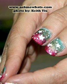 Tutorial for Christmas ornament inspired nails