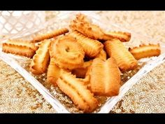 Rezept: Spritzgebäck besser als vom Bäcker mit dem Fleischwolf von Kitchenaid - YouTube Onion Rings, Christmas Desserts, Cookie Recipes, Food And Drink, Pasta, Sweets, Sugar, Cookies, Cake