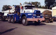 UNIC - TOW TRUCK